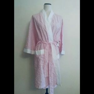 Signature  women's robe ,size Medium ,Belted